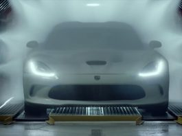Video: First 2013 SRT Viper Commercial