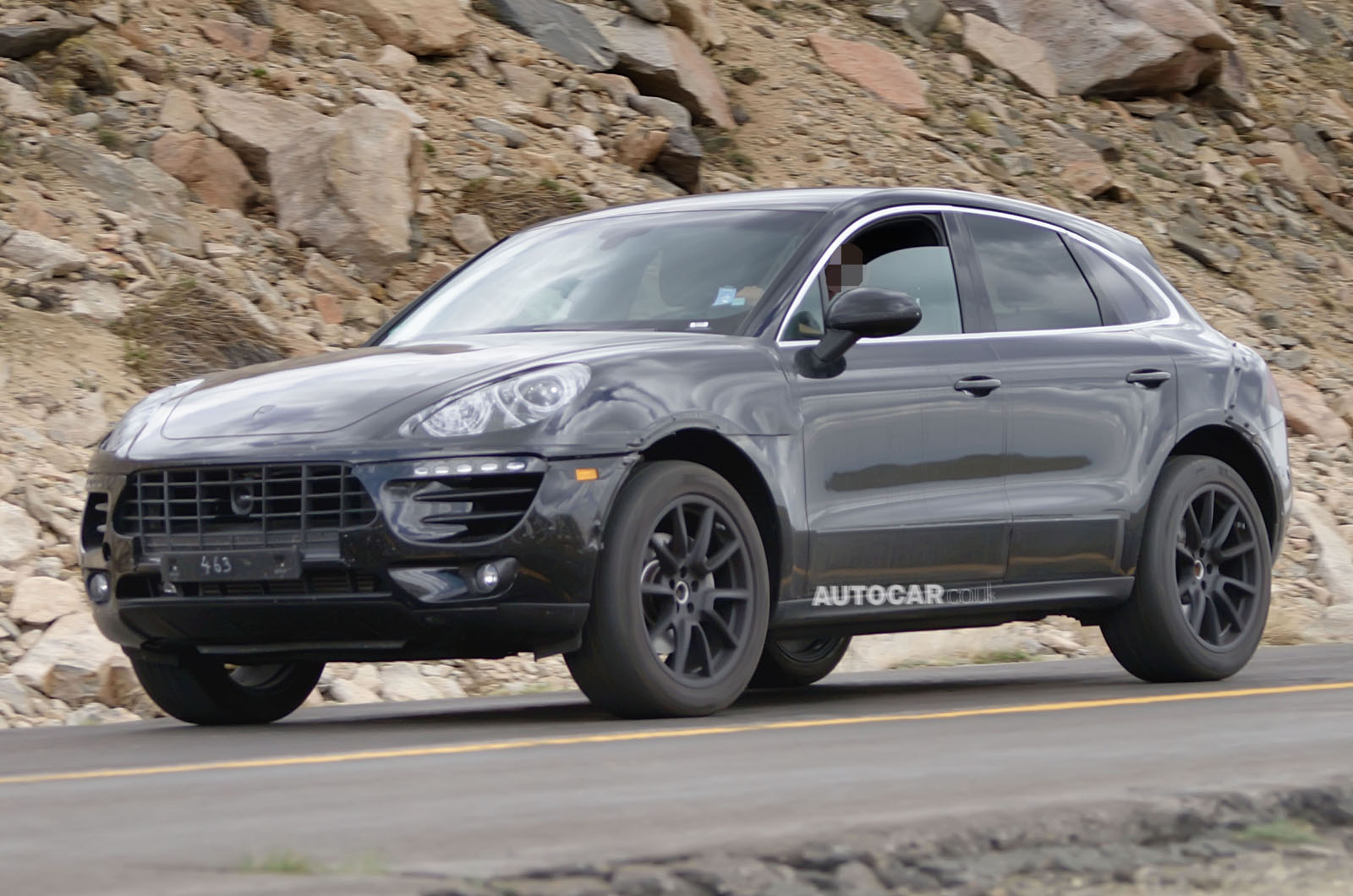 spyshots porsche macan spotted testing in the u s gtspirit. Black Bedroom Furniture Sets. Home Design Ideas