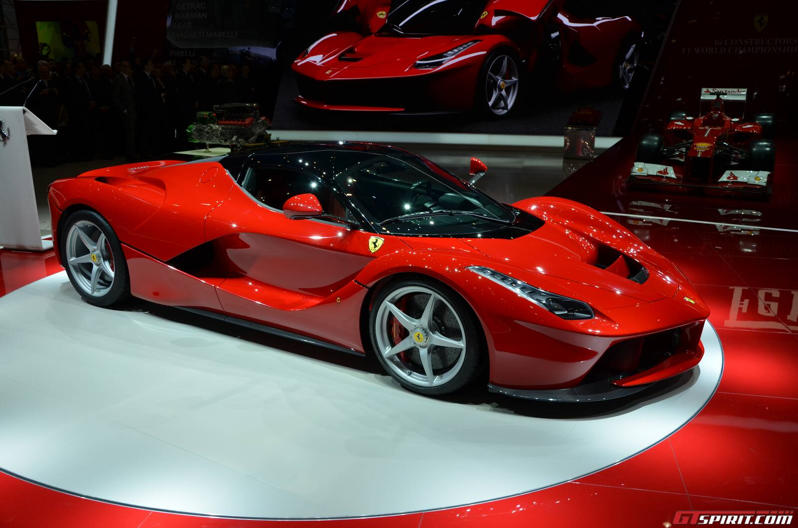 Video: Ferrari LaFerrari Testing on Track