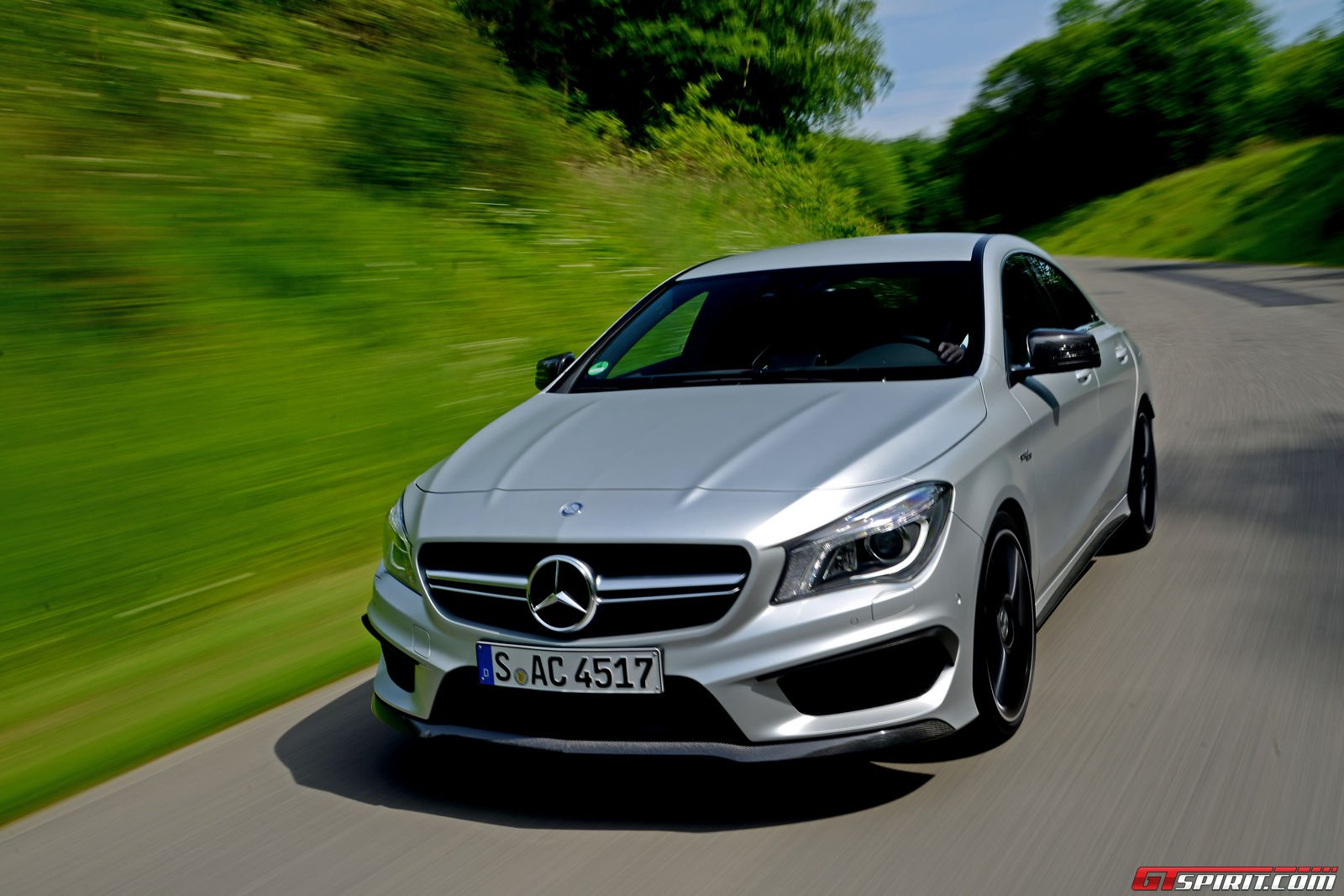 Road test 2014 mercedes benz cla 45 amg gtspirit for Mercedes benz amg cla 45