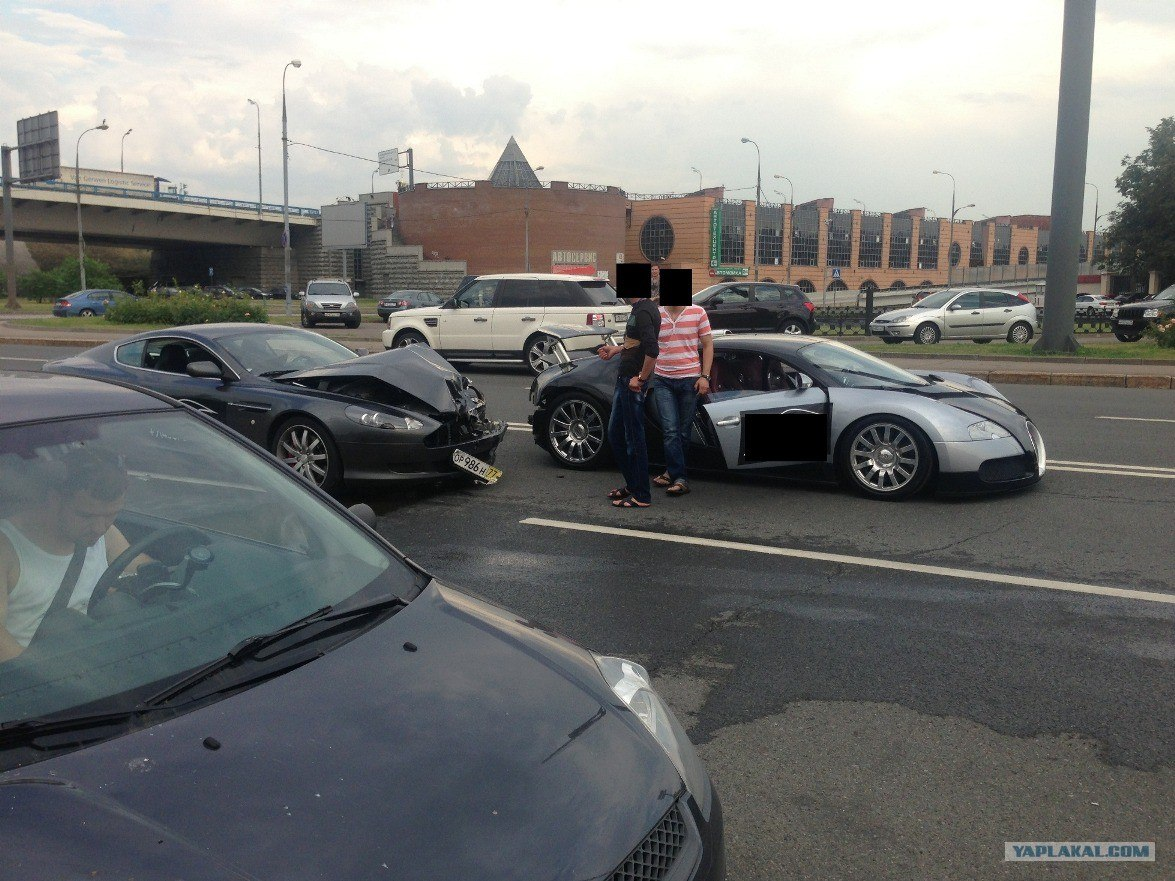 Bugatti Veyron Crash In Moscow
