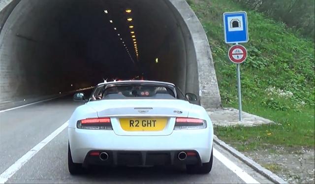 Video: Bugatti Veyron Super Sport and Aston Martin DBS Tunnel Blast