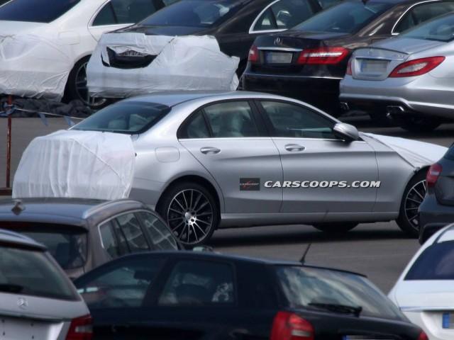 Spyshots: 2015 Mercedes-Benz C-Class Shows Side Profile