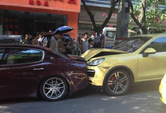 Car Crash: Angry Chinese Lady Her Porsche Cayenne into Husband's Maserati Quattroporte