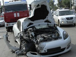 Car Crash: Russian Porsche Panamera Smashes Into Bus