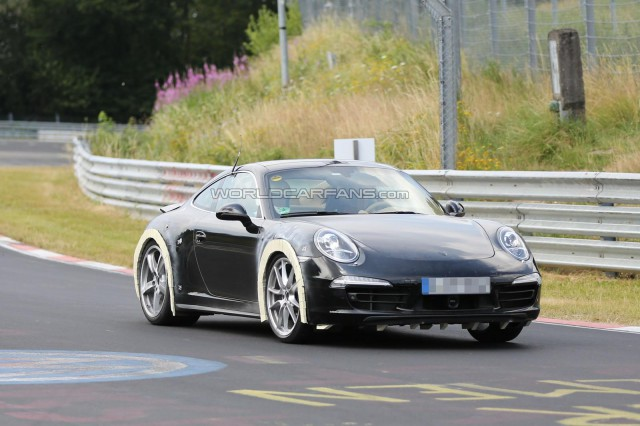 Spyshots: Is This The 2014 Porsche 911 Carrera 4 GTS?