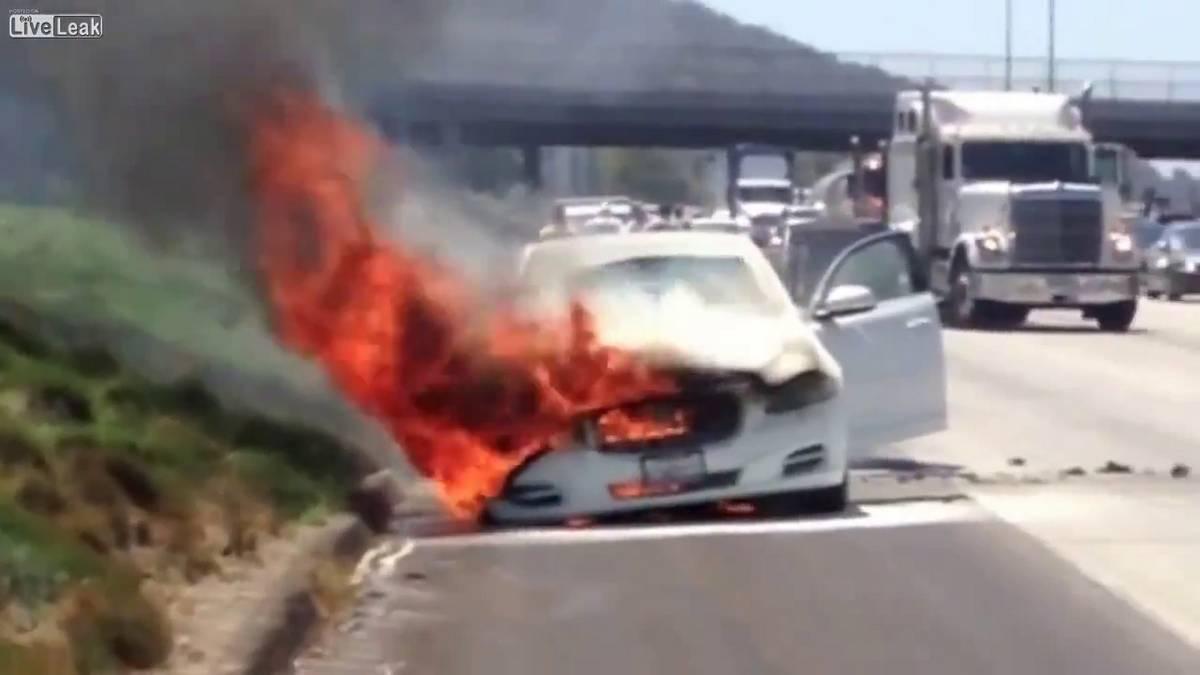 Video: Dick Van Dyke Jaguar XJ Catches Fire On Los Angeles Highway, Star  Escapes Unhurt   GTspirit