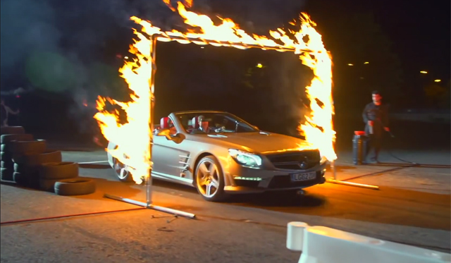 Magician Drives Mercedes-Benz SL63 AMG Blindfolded