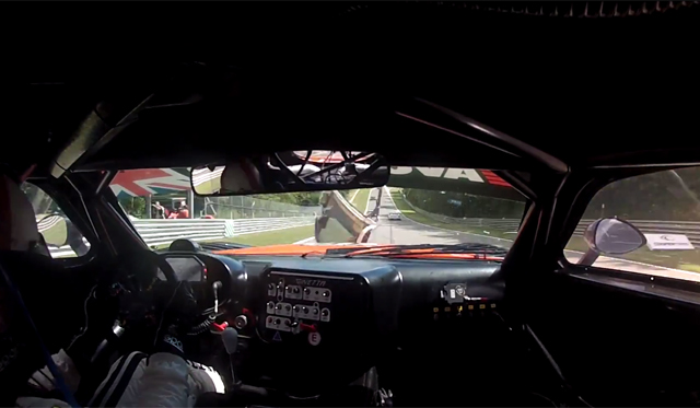 Video: Ginetta G55 GT3 hit by Door at 140mph