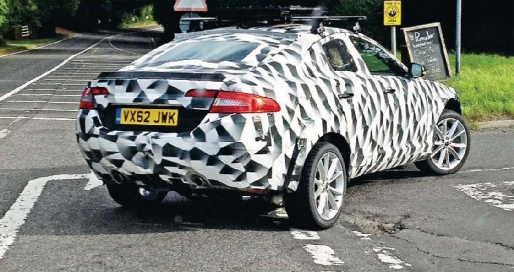 Spyshots: Jaguar SUV Snapped Again