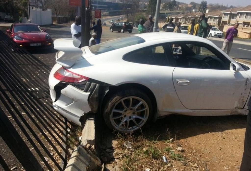 Car Crash Porsche 911 Gt3 Wrecked On Test Drive In Johannesburg Gtspirit