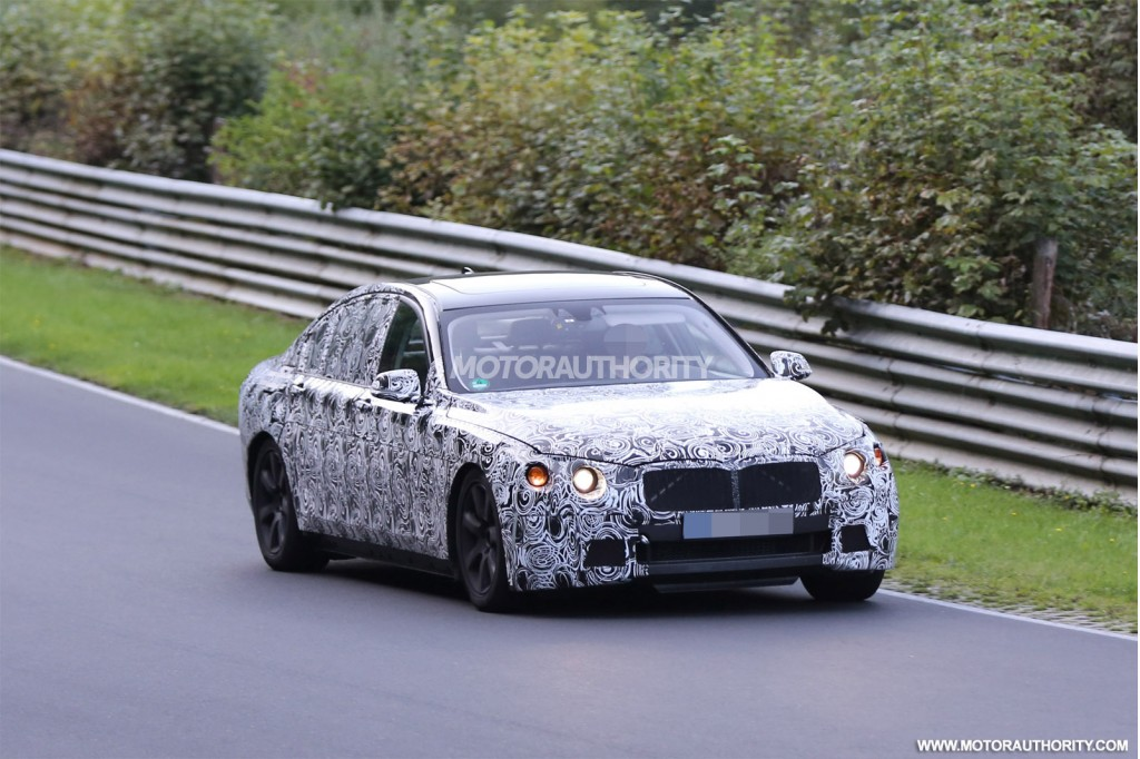 Next-Gen BMW 7-Series Does Its Thing at the Nurburgring