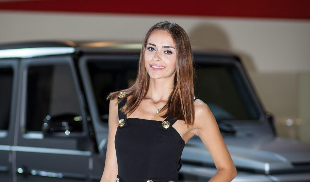 Frankfurt Motor Show 2013 Girls Part 2
