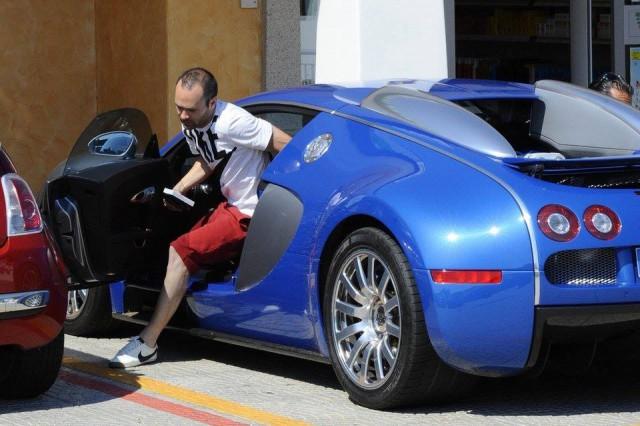 photo of Andrès Iniesta Bugatti Veyron - car