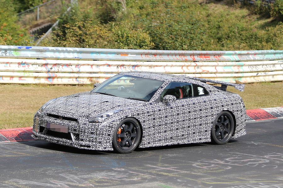 Insanely Fast 2014 Nissan GT-R Nismo Tackles the 'Ring