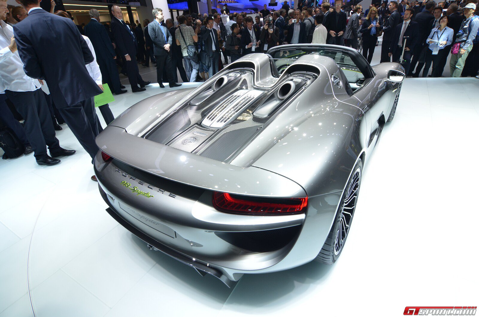frankfurt 2013 porsche 918 spyder gtspirit. Black Bedroom Furniture Sets. Home Design Ideas