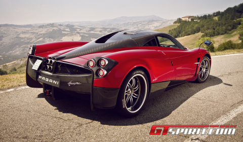 Road Test Pagani Huayra 01
