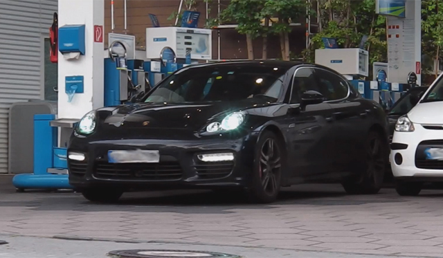 Strange Porsche Panamera Tester With Roll Cage Spotted