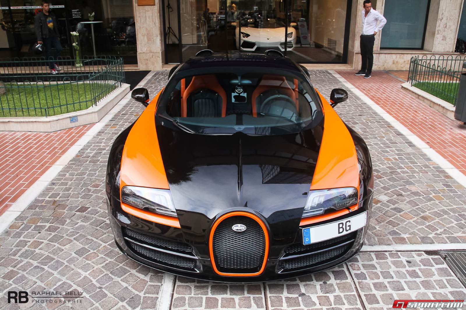 another day another veyron the spectacular bugatti veyron vitesse wrc in mo. Black Bedroom Furniture Sets. Home Design Ideas