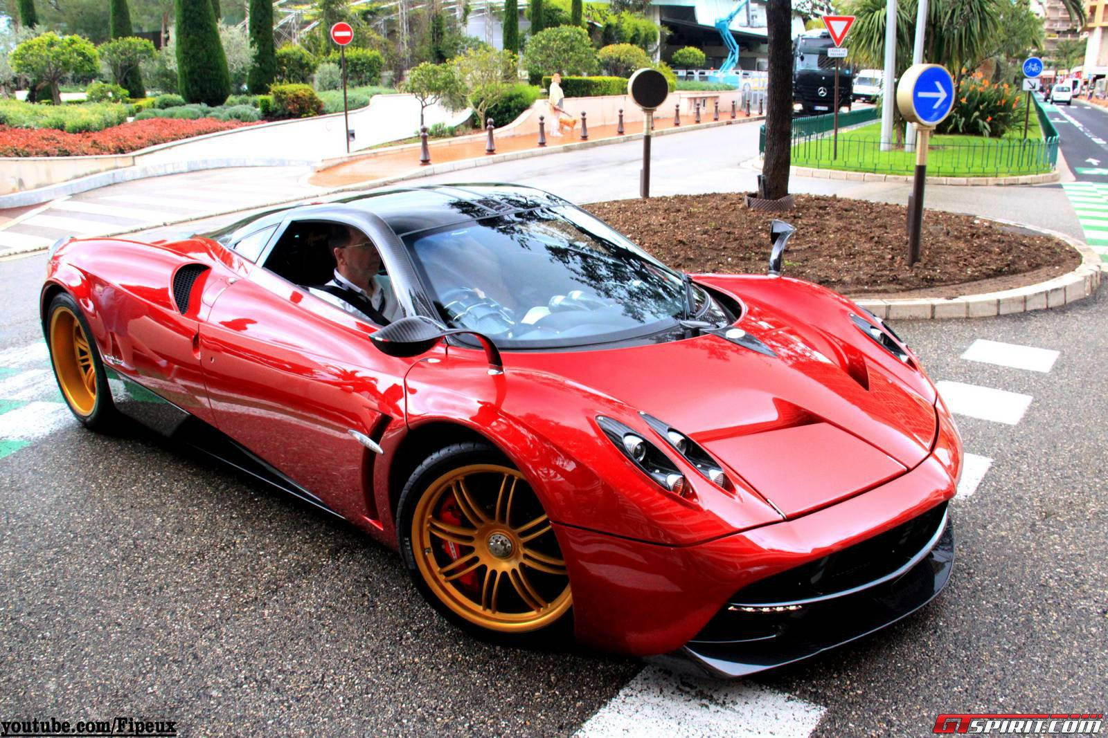 Pagani Huayra Red And Black