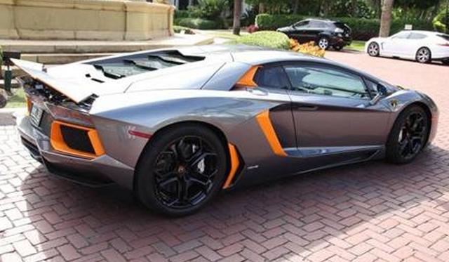 Unique Orange And Silver Lamborghini Aventador Could Be