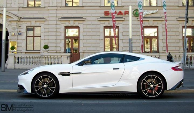 Video: Supercars during one usual day in Vienna