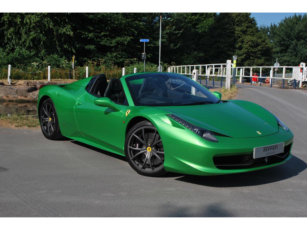 Verde-Kers-Lucido Green Ferrari 458 Spider For Sale in the U.K