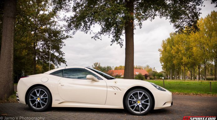 Avorio Ferrari California