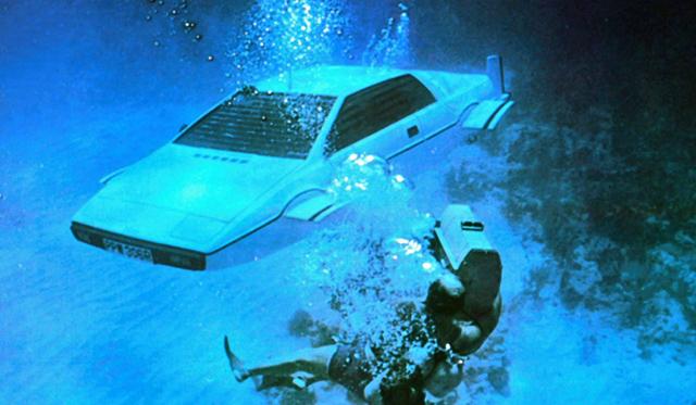 James Bond's Lotus Esprit Submarine Purchased by Elon Musk