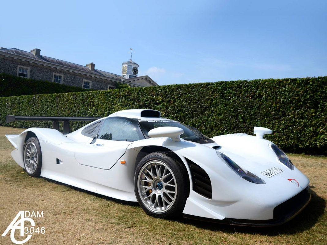White Porsche 911 GT1 at Goodwood House