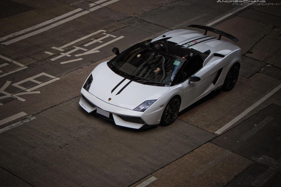 Photo Of The Day Bianco Lamborghini Gallardo Performante