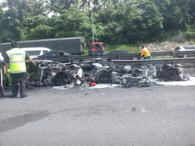 Two Lamborghini Gallardos and Aventador Crash and Burn in Malaysia