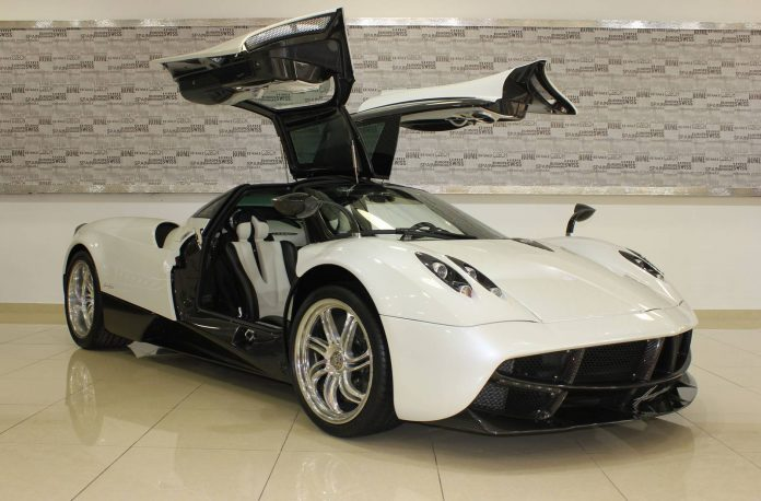 White and Carbon Fiber Pagani Huayra For Sale in Dubai