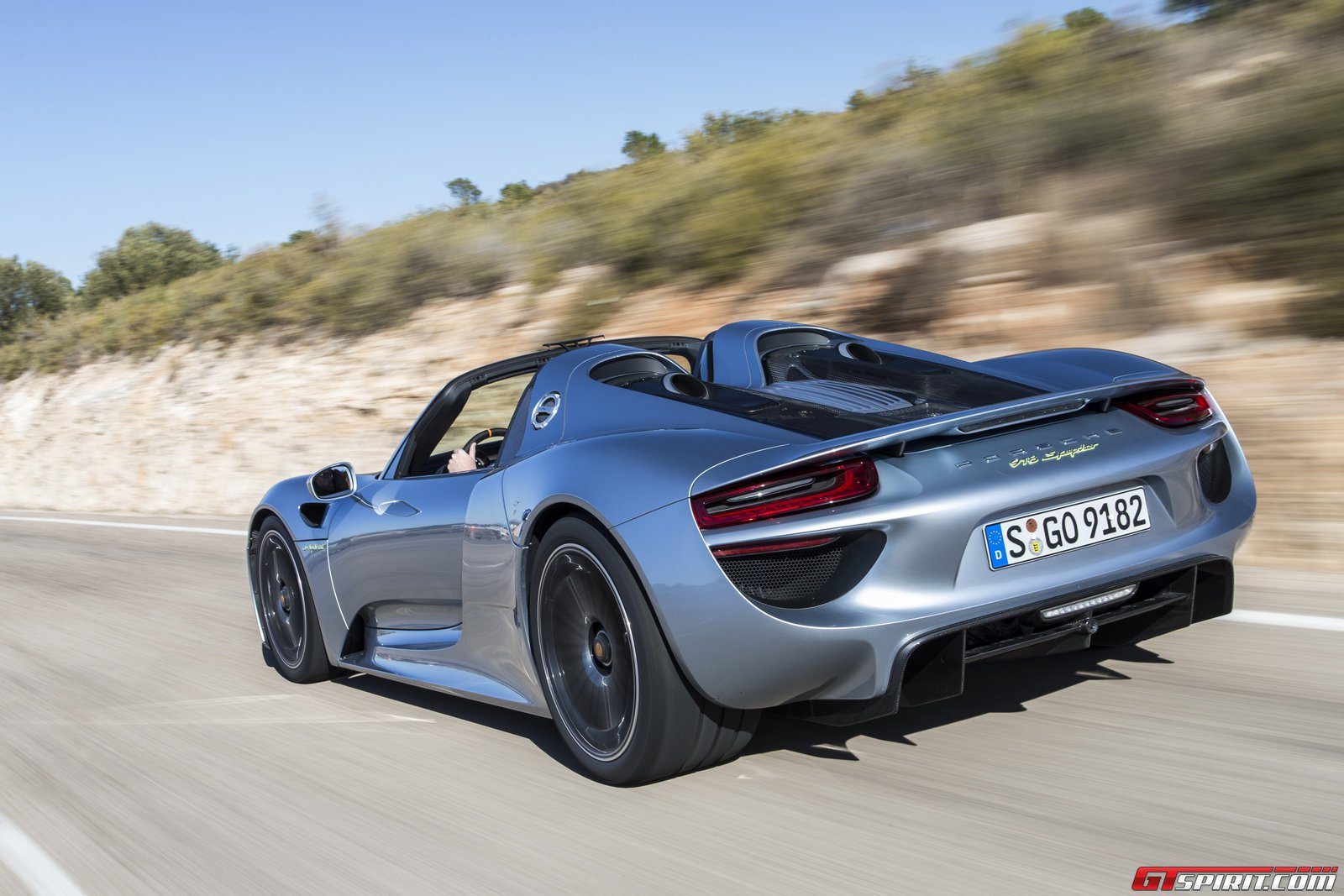 Road Test 2014 Porsche 918 Spyder Review