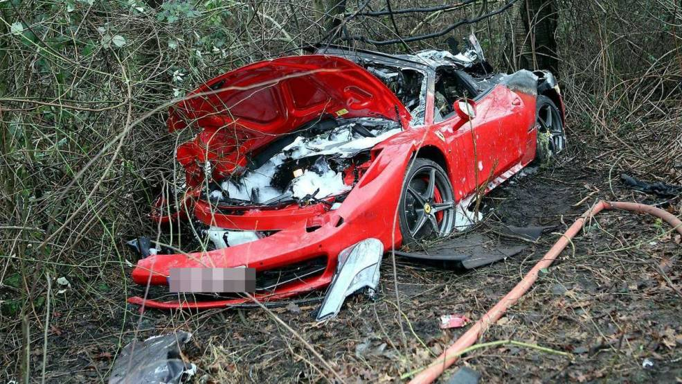 Ferrari 458 Spider Crashes in Germany Killing Two