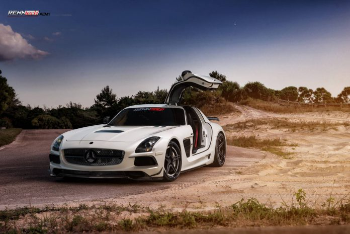 Mercedes-Benz SLS AMG Looks Awesome on Five-Spoke ADV.1 Wheels