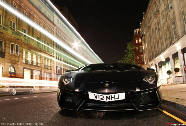 Photo of The Day: Black on Black Lamborghini Aventador in London