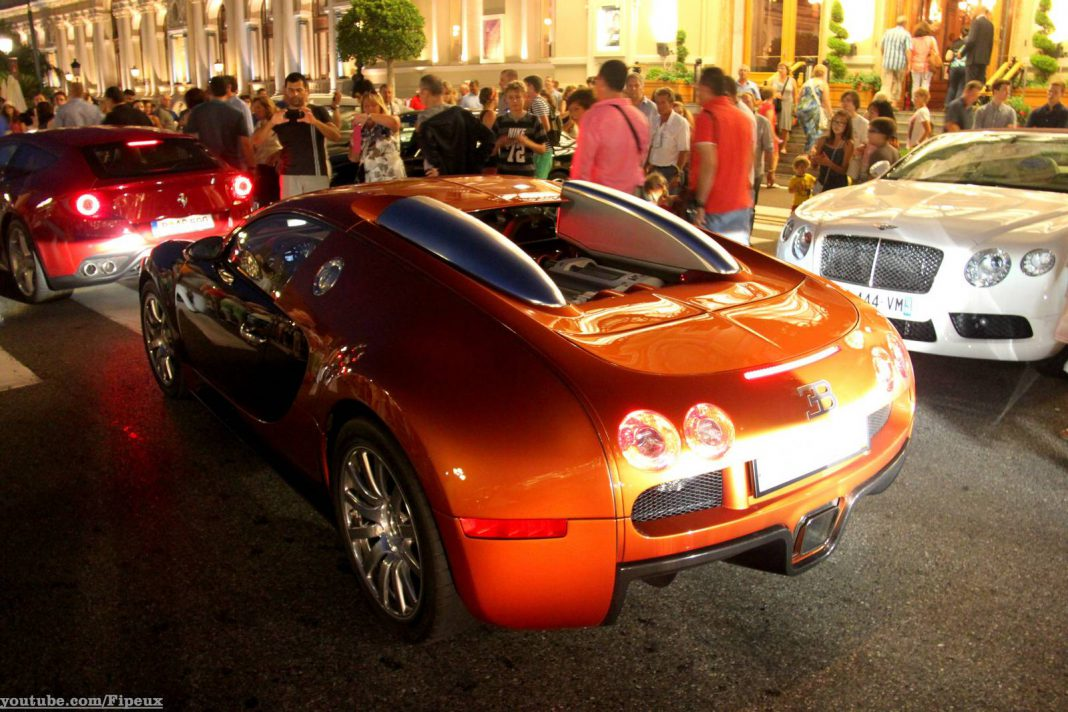 Video: Valet Struggles to Park a Veyron Outside Monte Carlo Casino