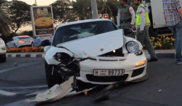 White Porsche 911 997.2 GT3 RS Crashes in Dubai