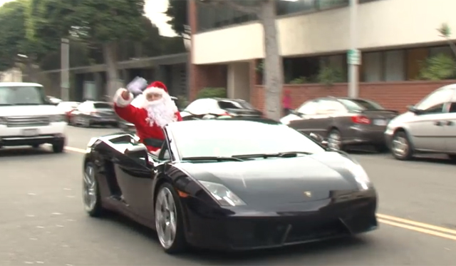 Santa Wishes L.A. a Merry Christmas in Lamborghini Gallardo!