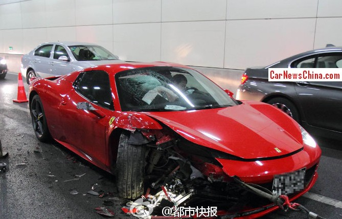 Chinese Ferrari 458 Spider Crashes in Tunnel