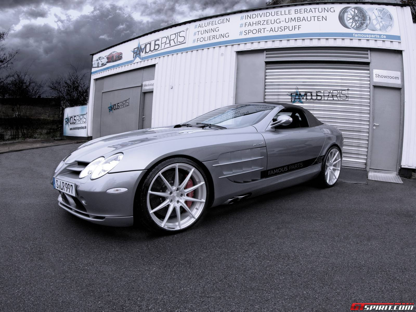 Official mercedes benz slr mclaren roadster by famous for Mercedes benz official parts
