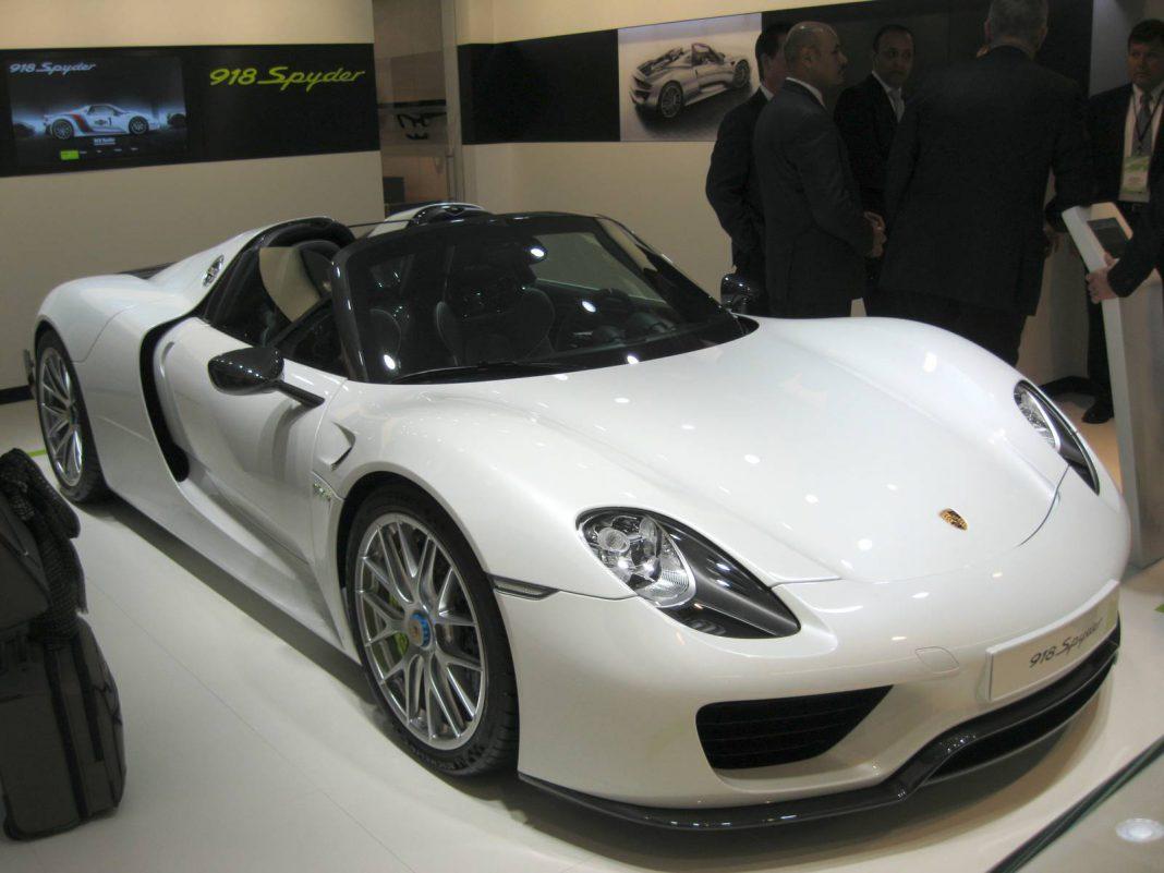Detroit 2014: Porsche 918 Spyder Weissach Package