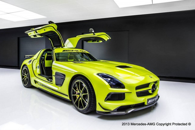 Official: Mercedes-Benz SLS AMG Black Series by AMG Performance Studio