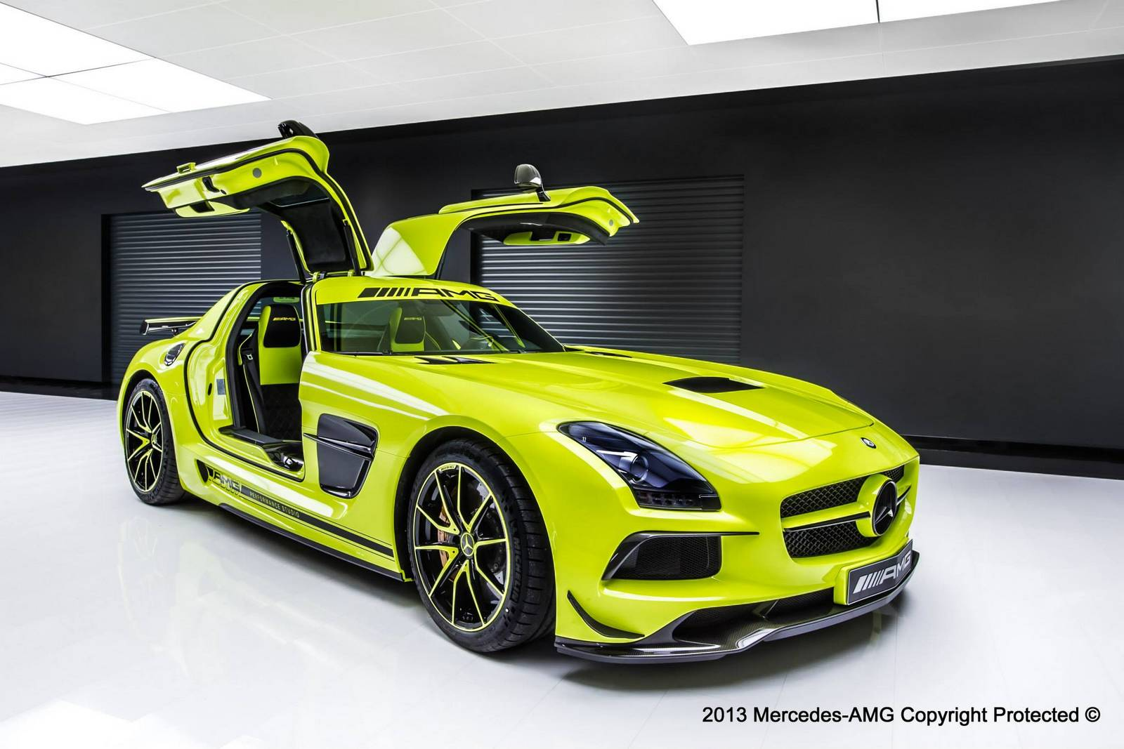 official mercedes benz sls amg black series by amg. Black Bedroom Furniture Sets. Home Design Ideas