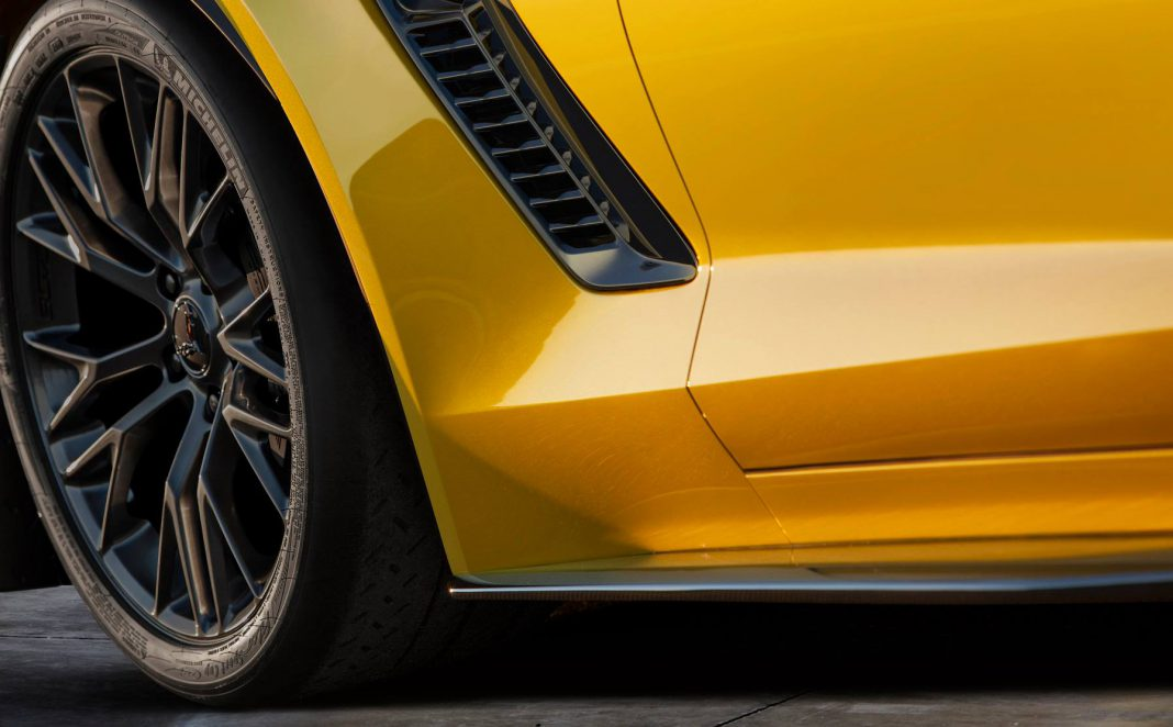 Watch Live Reveal of 2015 Chevrolet Corvette Z06 and C7.R Here