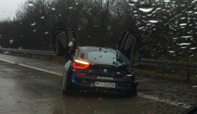 BMW i8 Crashes in Germany