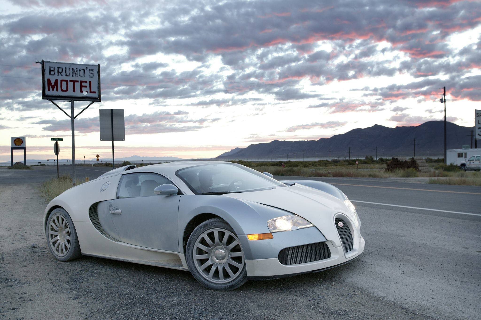 photo of the day bugatti veyron in the black rock salt. Black Bedroom Furniture Sets. Home Design Ideas