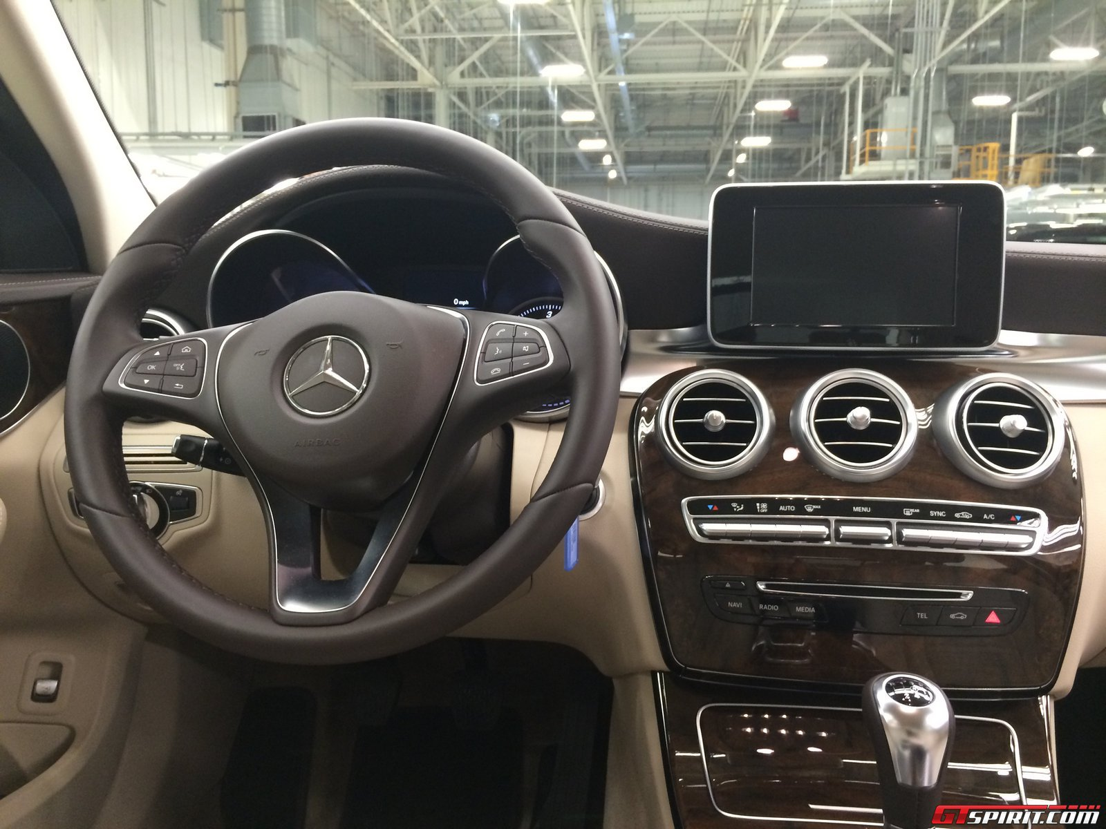 2015 c class interior pictures to pin on pinterest pinsdaddy for Mercedes benz c class 2015 interior
