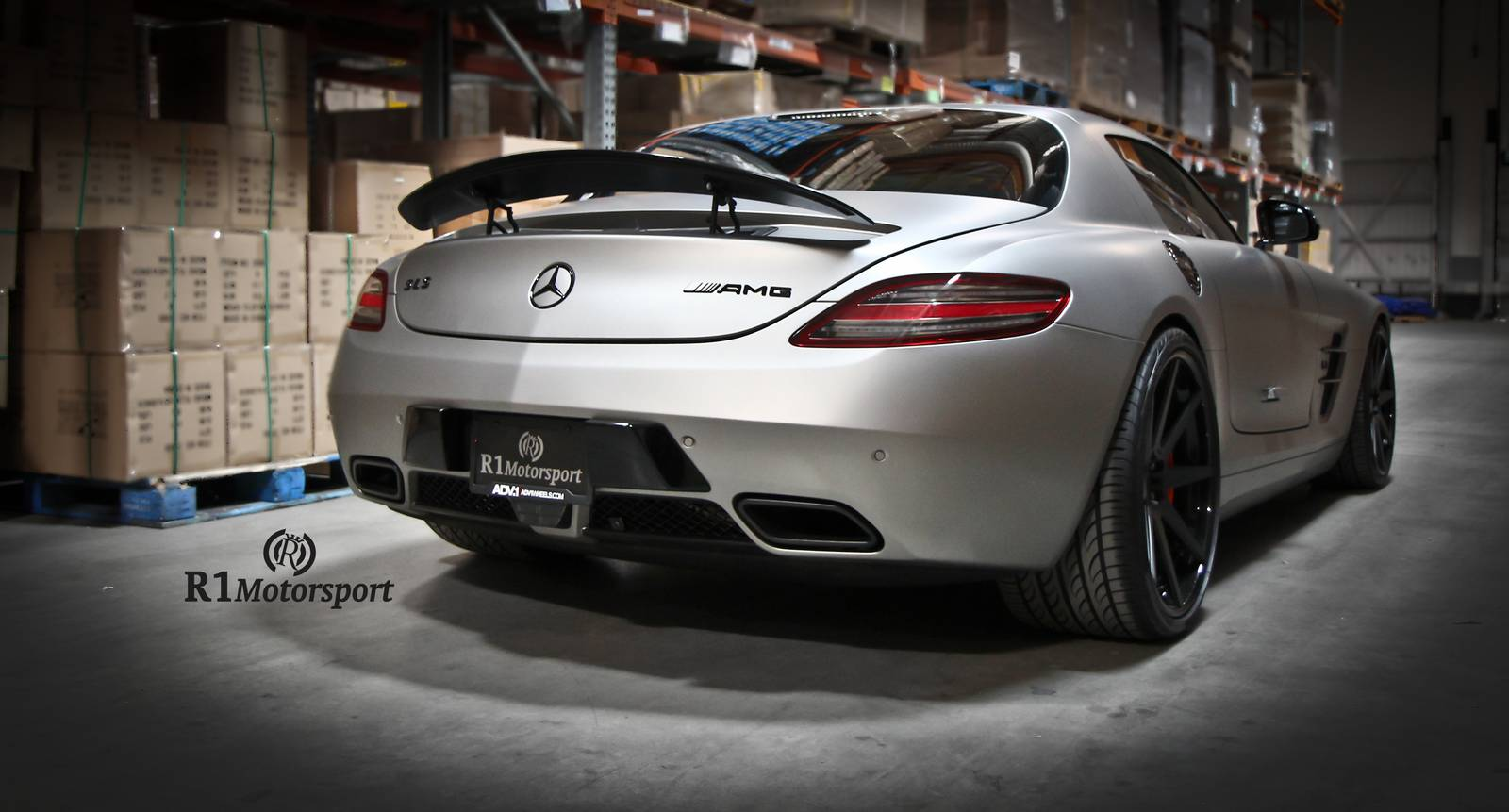 Matte grey aluminum mercedes benz sls amg by r1 for Matte mercedes benz